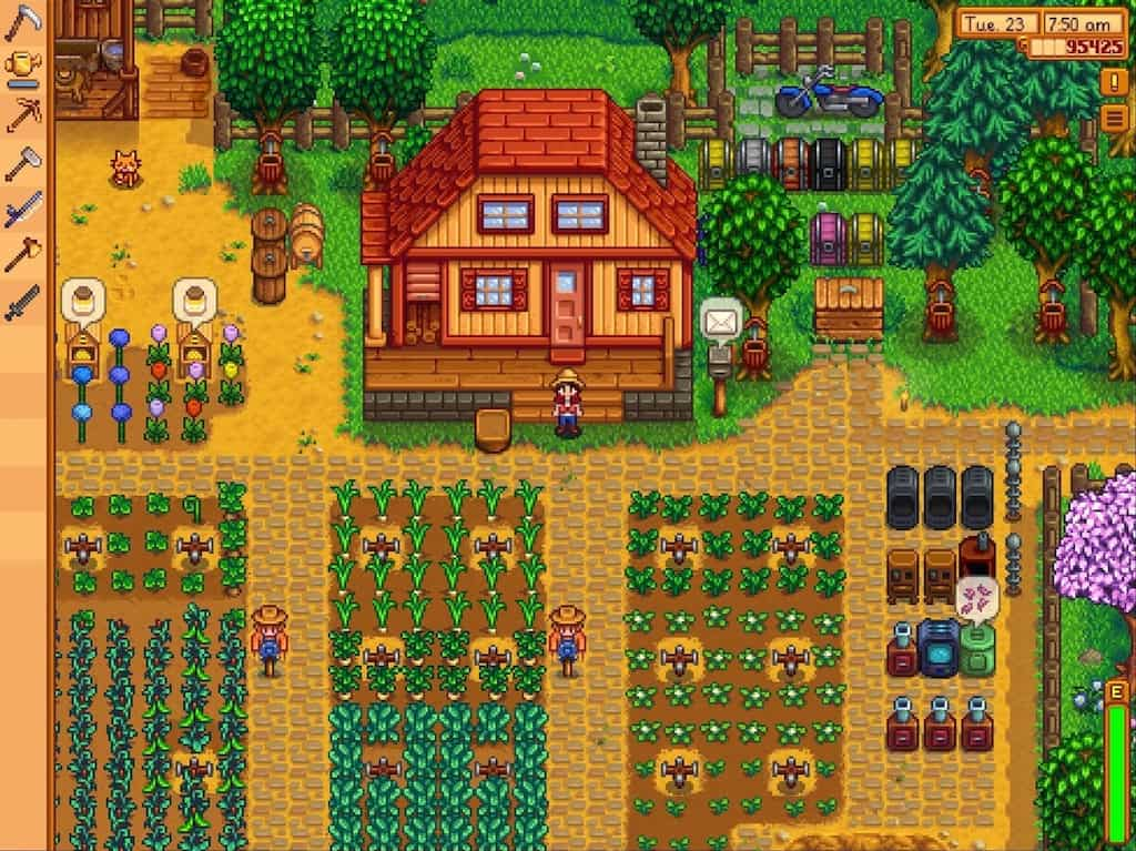 Stardew Valley gameplay with a homestead and a field of crops.